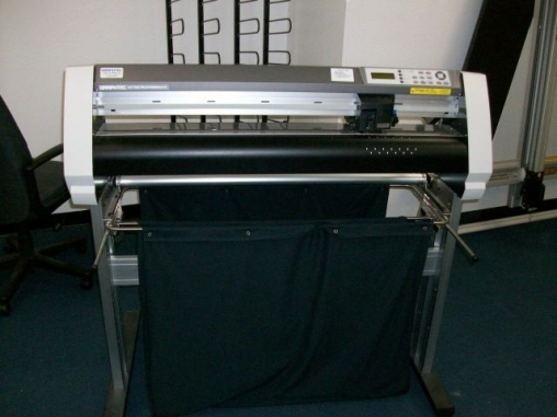 For Sale: Graphtec Cutting Pro Plotter Model FC7000MK2-75